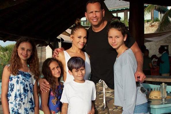 Lennifer Lopez Family